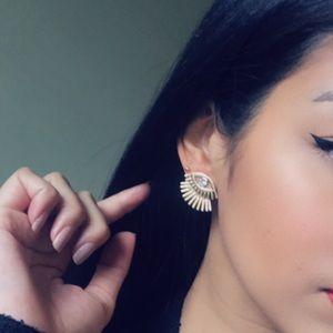 Jewelry - 🆕 Eye & Eyelash double back stud earrings